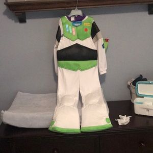 Size 4 buzz lightyear costume